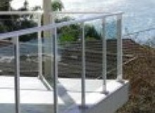 Kwikfynd Glass balustrading comoonloop