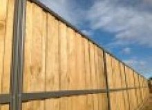 Kwikfynd Lap and Cap Timber Fencing comoonloop